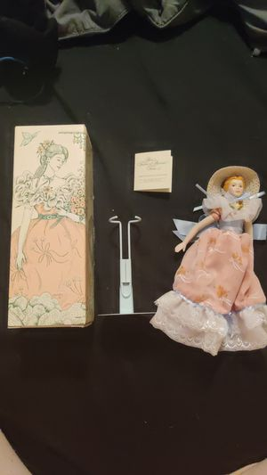 Porcelain Doll Collection Southern Belle for Sale in Auburn, WA