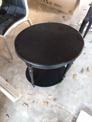 Little round black table for Sale in Peoria, IL