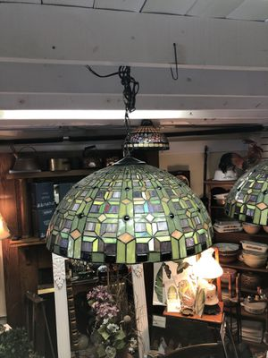 Tiffany style hanging lamp. for Sale in Sanford, FL