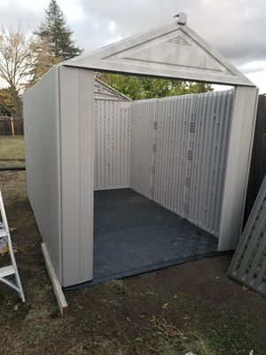 New Rubbermaid shed just baught it last week 10.5x7 ft for Sale in Fairfield, CA