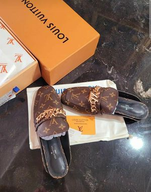 Sell for woman sandals Louis Vuitton for Sale in Los Angeles, CA