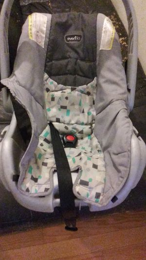 Infant car seat $10 for Sale in North Potomac, MD