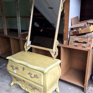 Dresser and Mirror for Sale in Tukwila, WA