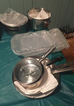 Pots, pans and casserole dishes for Sale in Rochester Hills, MI