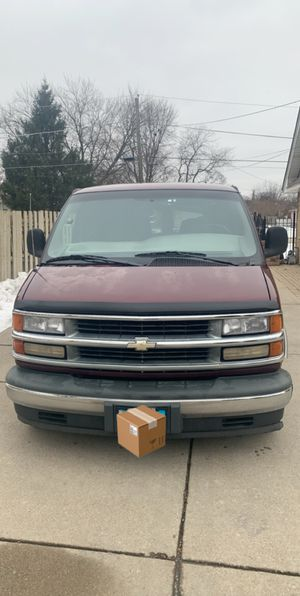 2000 Chevy Express Van for Sale in Franklin Park, IL