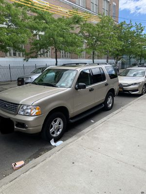 2004 Ford Explorer XLT 4x4 for Sale in Brooklyn, NY