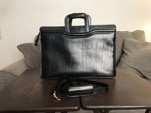 GEOFFREY BEEN WOMENS BRIEFCASE for Sale in Cheektowaga, NY