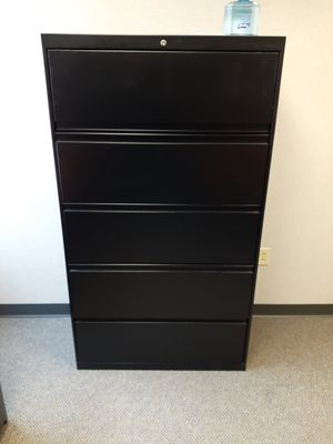 5 drawer filing cabinet for Sale in Columbus, OH