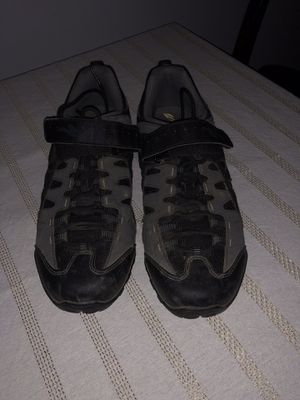 Men's Specialized size 9 bike shoes for Sale in Houston, TX