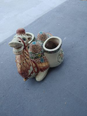 Camel Plant pot for Sale in PT CHARLOTTE, FL