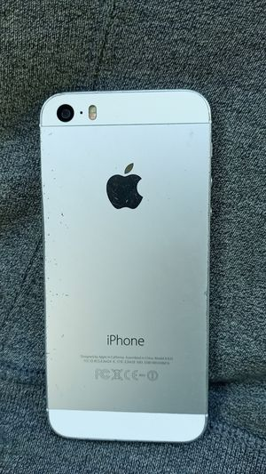 iPhone 5 white for Sale in Portland, OR