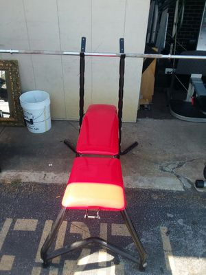 Weight bench with Bar $150 obo for Sale in St. Louis, MO