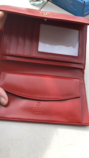 Chanel Red Leather wallet. for Sale in Payson, AZ
