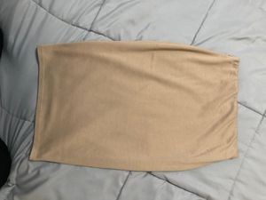 Tan pencil skirt for Sale in Chicago, IL