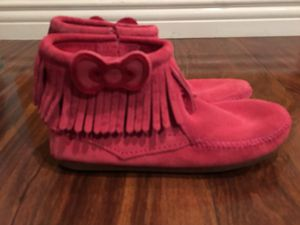Brand New Girls Minnetonka Hello Kitty pink suede boots size 3 for Sale in Burbank, CA