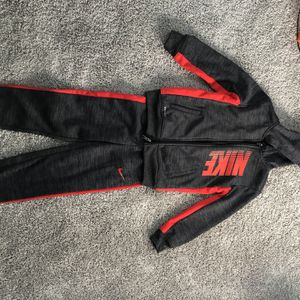 Nike Size 6 Outfit/shirt Size 5/6 for Sale in Milwaukee, WI