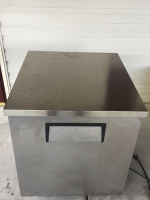 TRUE - TUC 27-LP Under Counter Commercial Refrigerator for Sale in Rockville, MD