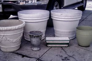 FLOWER/TREE POTS for Sale in Anaheim, CA