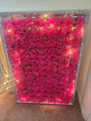 Flower frame/wall - lights up - NOT FREE for Sale in Frisco, TX