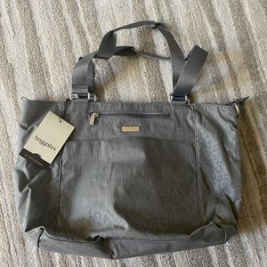 New Baggalini Bag With shoulder strap for Sale in Murrieta, CA