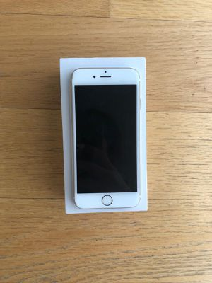 iPhone 6 - won't turn on. for Sale in Portland, OR
