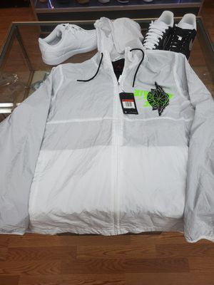 Jordan white windbreaker size L for Sale in Chicago, IL