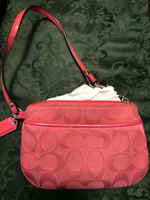 Brand New Authentic COACH pink wristlet for Sale in Lincoln Park, MI