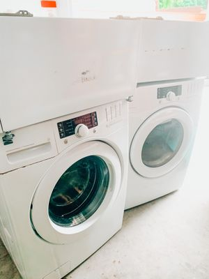 Kenmore Washer/Dryer Electric for Sale in Claremont, CA