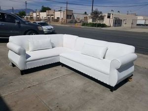 NEW 7X9FT WHITE LEATHER SECTIONAL COUCHES for Sale in Corona, CA
