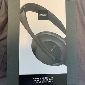Bose Noise Cancelling Headphones 700 with Charging Case New Sealed for Sale in Santa Ana, CA