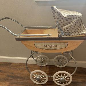 Doll antique stroller for Sale in Gresham, OR