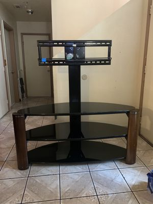 TV Stand with three glass shelves for Sale in Las Vegas, NV