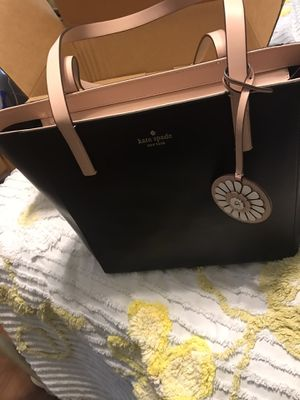 NWT Kate Spade pocketbook for Sale in Yalesville, CT