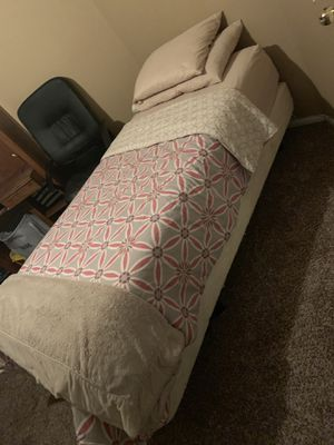 Tempur-pedic single bed within remote for Sale in Pittsburg, CA