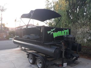 Pontoon boat for Sale in Canyon Lake, CA