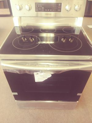 Samsung Electric Range for Sale in Fairview Park, OH