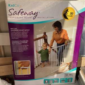 Kidco Safeway Stair Gate for Sale in Cypress, CA