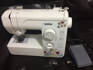 Brother Sewing machine 17 Stitches for Sale in Jersey City, NJ