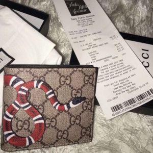 Men Gucci Wallet Monogram Snake Authentic for Sale in Newton, NJ