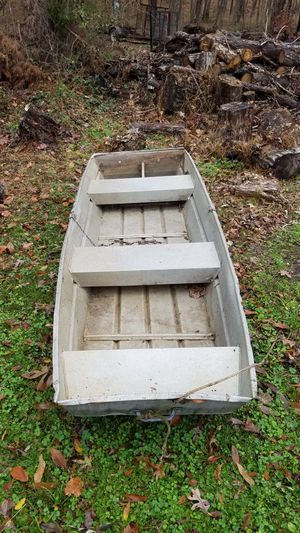 10 ft aluminum john boat for Sale in Richmond, VA