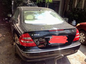 Mercedes E 350 2008 for parts or repair. Has title and will start and run but as you see, totalled front end. for Sale in Fort Worth, TX