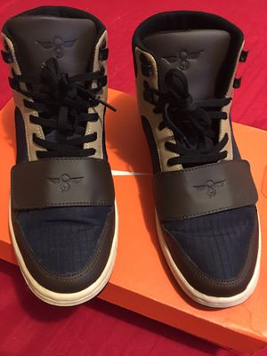 """Authentic """" C-R"""" Urban Style Boots.Basically New for Sale in Los Angeles, CA"""