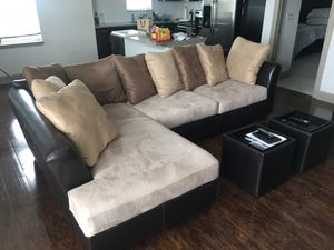 Sectional Couch with 2 ottomans, great condition! for Sale in Franklin, TN