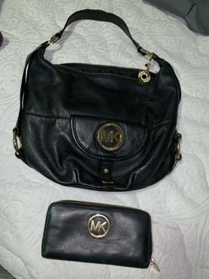 Michael Kors black leather hobo bag with matching wallet for Sale in IND CRK VLG, FL