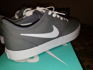 Women's Grey Nike Shoes for Sale in Raleigh, NC