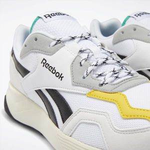 REEBOK ROYAL DASHONIC 2.0 SHOES (Size 10) for Sale in Herriman, UT