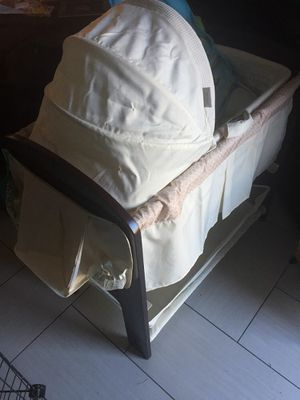 Bassinet with changing table for Sale in Woodbridge, VA