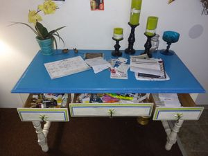 Vintage desk/ panty table for Sale in Hoquiam, WA