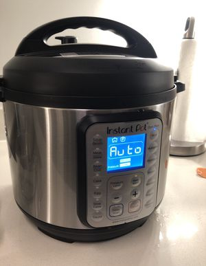 Instant Pot Duo Plus 60 6 Quart for Sale in San Diego, CA