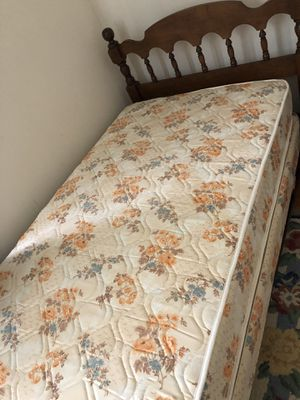 Twin bed and frame for Sale in Manasquan, NJ